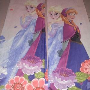 Disney frozen curtain set of 2panel 68' long 38' w